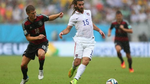 Kyle Beckerman (R) of USA is challenged by Toni Kroos of Germany during the 2014 FIFA World Cup Brazil Group G match between USA and Germany at Arena Pernambuco on June 26, 2014 in Recife, Brazil. (Photo by Michael Steele/Getty Images)