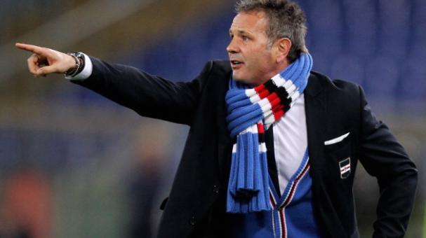 Head coach Sinisa Mihajlovic of UC Sampdoria gestures during the Serie A match between AS Roma and UC Sampdoria at Stadio Olimpico on February 16, 2014 in Rome, Italy. (Getty Images)