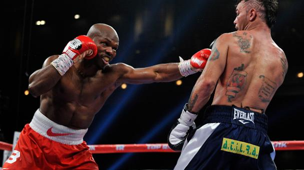Timothy Bradley Jr. (L) punches Diego Chaves during their welterweight bout at The Chelsea at The Cosmopolitan of Las Vegas on December 13, 2014 in Las Vegas, Nevada. (Photo by David Becker/Getty Images)