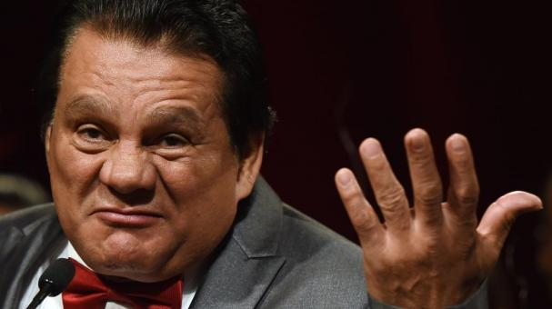 Former boxer Roberto Duran speaks as he is inducted into the Nevada Boxing Hall of Fame at the second annual induction gala at the New Tropicana Las Vegas on August 9, 2014 in Las Vegas, Nevada. (Getty Images)