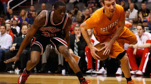 Goran Dragic #1 of the Phoenix Suns against Tony Snell #20 of the Chicago Bulls during the second half of the NBA game at US Airways Center on January 30, 2015 in Phoenix, Arizona. Getty Images