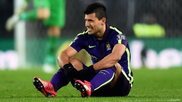 Sergio Aguero of Manchester City reacts after picking up an injury during the Barclays Premier League match between Stoke City and Manchester City at Britannia Stadium on February 11, 2015 in Stoke on Trent, England. (Getty Images)