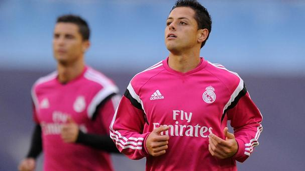 Javier 'Chicharito' Hernandez of Real Madrid warms up with teammates before the start of the La Liga match between Celta Vigo and Real Madrid CF at Estadio Balaidos on April 26, 2015 in Vigo, Spain. (Getty Images)