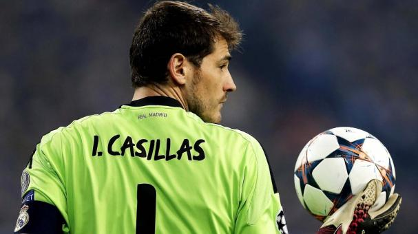 Iker Casillas of Real Madrid looks on during the UEFA Champions League Round of 16 first leg match between FC Schalke 04 and Real Madrid at Veltins-Arena on February 26, 2014 in Gelsenkirchen, Germany. (Getty Images)