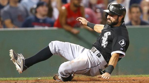 Adam Eaton #1 of the Chicago White Sox scores a run on a hit by Jose Abreu #79 in the eighth inning against the Boston Red Sox at Fenway Park on July 28, 2015 in Boston, Massachusetts. (Getty Images)