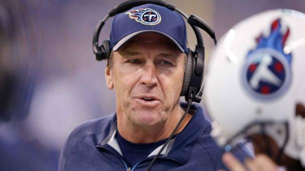 Head coach Mike Mularkey of the Tennessee Titans instructs his team during the game against the Indianapolis Colts at Lucas Oil Stadium on January 3, 2016 in Indianapolis, Indiana. (Photo by Joe Robbins/Getty Images)