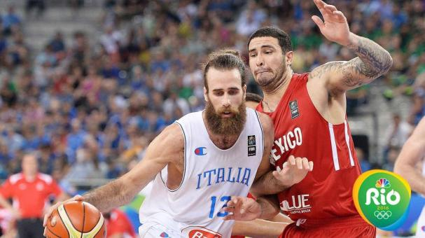 Italy's Luigi Datome (L) and Mexico's Adrian Zamora in action during the 2016 FIBA Olympic Qualifying tournament between Italy and Mexico at Palalpitour in Turin, Italy, 08 July 2016. EFE