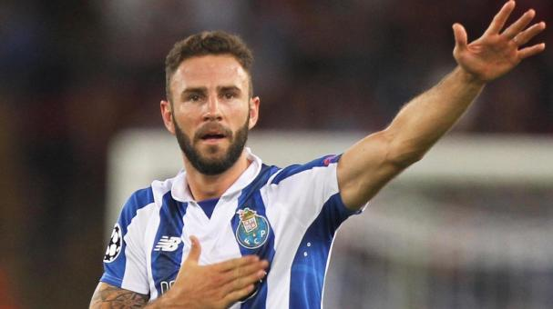 Miguel Layun FC Porto celebrates after scoring the team's second goal during the UEFA Champions League qualifying playoff round second leg match between AS Roma and FC Porto at Stadio Olimpico on August 23, 2016 in Rome, Italy. (Getty Images)