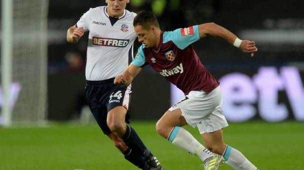 Chicharito con el West Ham.