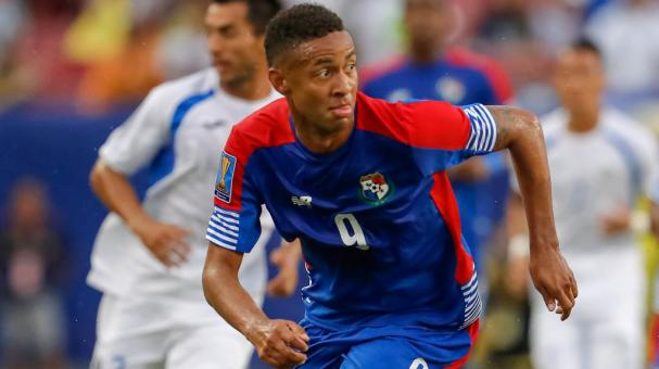Gabriel Torres #9 of Panama against Nicaragua during the first half of the CONCACAF Group B match at Raymond James Stadium on July 12, 2017 in Tampa, Florida. (Getty Images)