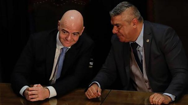 Claudio Tapia y Gianni Infantino. Getty Images