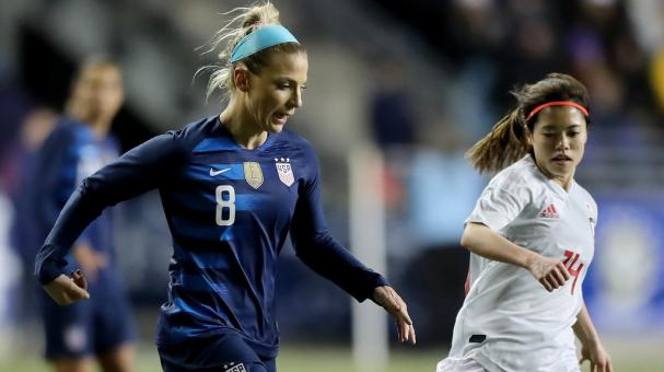 Julie Ertz #8 of the United States passes the ball as Yui Hasegawa #14 of Japan defends at Talen Energy Stadium on February 27, 2019 in Chester, Pennsylvania. (Getty Images)