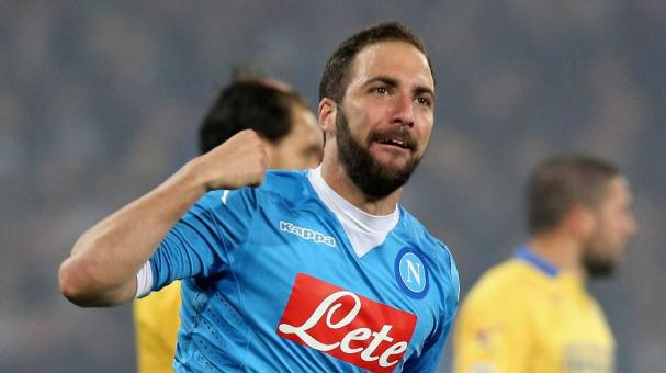 NAPLES, ITALY - MAY 14: Gonzalo Higuain of Napoli celebrates his team's second goal during the Serie A match between SSC Napoli and Frosinone Calcio at Stadio San Paolo on May 14, 2016 in Naples, Italy. (Photo by Maurizio Lagana/Getty Images)