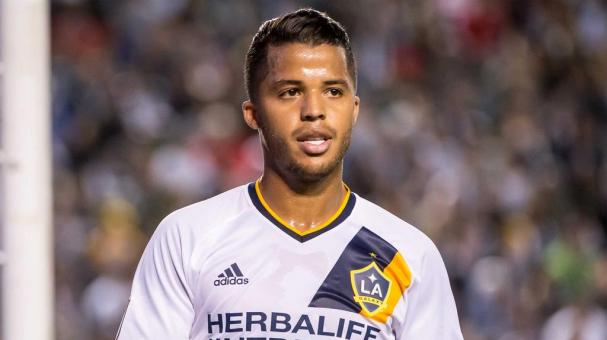 CARSON, CA - APRIL 10: Giovani dos Santos #10 of Los Angeles Galaxy during Los Angeles Galaxy's MLS match against Portland Timbers at the StubHub Center on April 10, 2016 in Carson, California. The match ended in a 1-1 tie (Photo by Shaun Clark/Getty Imag
