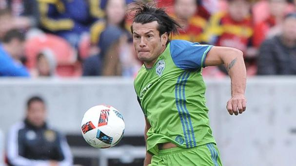 Nelson Haedo Valdez #16 of Seattle Sounders FC controls the ball. (Photo by Gene Sweeney Jr/Getty Images)