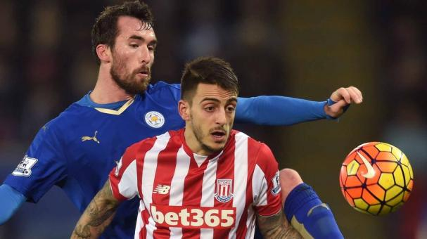 Joselu of Stoke City and Christian Fuchs of Leicester City during the Barclays Premier League match between Leicester City and Stoke City at The King Power Stadium on January 23, 2016 in Leicester, England. (Getty Images)