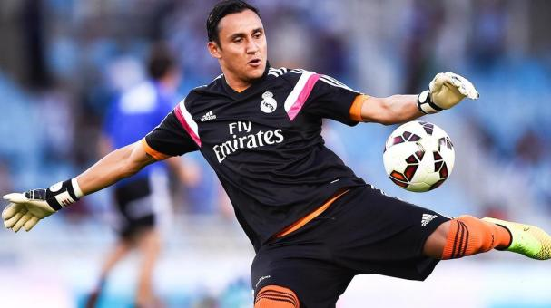 Keylor Navas of Real Madrid CF kicks the ball during the warm up prior to the La Liga match between Real Sociedad de Futbol and Real Madrid CF at Estadio Anoeta on August 31, 2014 in San Sebastian, Spain. (Photo by David Ramos/Getty Images)