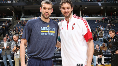 Marc Gasol #33 of the Memphis Grizzlies poses with his brother Pau Gasol #16 of the Chicago Bulls on December 19, 2014 at the FedExForum in Memphis, Tennessee. Getty Images