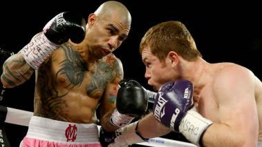 Miguel Cotto y Saúl Canelo Álvarez. Foto: Getty Images