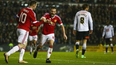 Manchester United vence al Derby County