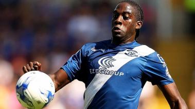Clayton Donaldson of Birmingham in action during the Sky Bet Championship match between Birmingham City and Reading at St Andrews Stadium on August 8, 2015 in Birmingham, England. (Photo by Ben Hoskins/Getty Images)