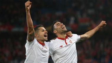 BASEL, SWITZERLAND - MAY 18: Kevin Gameiro (L) and Adil Rami (R) of Sevilla celebrate their 3-1 win in the UEFA Europa League Final match between Liverpool and Sevilla at St. Jakob-Park on May 18, 2016 in Basel, Switzerland. (Photo by Lars Baron/Getty Ima