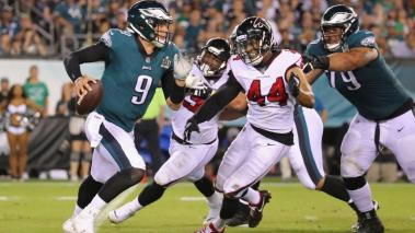 Nick Foles #9 of the Philadelphia Eagles looks to pass the ball during the second half against the Atlanta Falcons at Lincoln Financial Field on September 6, 2018 in Philadelphia, Pennsylvania. (Getty Images)