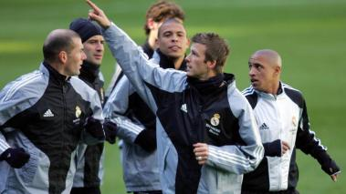Real Madrid's David Beckham (2R), Luis Figo (2L),Ronaldo (C), Zinedine Zidane (L) and Roberto Carlos (R) during a training session at Santiago Bernabeu stadium in Madrid, 21 February 2005. (Getty Images)