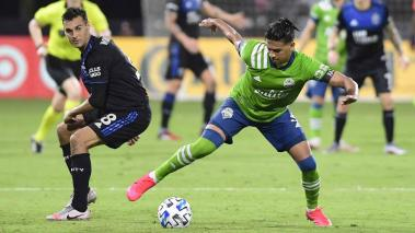 Xavier Arreaga #3 of Seattle Sounders and Chris Wondolowski #8 of San Jose Earthquakes at ESPN Wide World of Sports Complex on July 10, 2020 in Reunion, Florida. The final score was 0-0. (Getty Images)