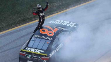 Martin Truex Jr. ganó la última carrera de temporada regular en la Nascar. Foto: Getty Images