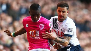 Max Gradel of Bournemouth holds off Kyle Walker of Tottenham Hotspur during the Barclays Premier League match between Tottenham Hotspur and A.F.C. Bournemouth at White Hart Lane on March 20, 2016 in London. (Photo by Clive Rose/Getty Images)