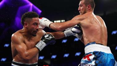 Andre Ward battles Sergey Kovalev of Russia during their light heavyweight title bout at T-Mobile Arena on November 19, 2016 in Las Vegas, Nevada. (Photo by Al Bello/Getty Images)