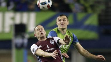 Sam Cronin #6, left, of the Colorado Rapids goes up for a header against Jermaine Jones #13 of the Seattle Sounders in the first leg of the Western Conference Finals at CenturyLink Field on November 22, 2016 in Seattle, Washington. (Getty Images)