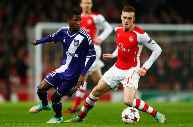 Calum Chambers of Arsenal watches Ibrahima Conte of Anderlecht during the UEFA Champions League Group D match between Arsenal FC and RSC Anderlecht at Emirates Stadium on November 4, 2014 in London, United Kingdom. (Photo by Michael Regan/Getty Images)