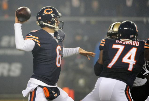 Jay Cutler #6 of the Chicago Bears throws an interception during the first quarter against the New Orleans Saints at Soldier Field on December 15, 2014 in Chicago, Illinois. (Getty Images)