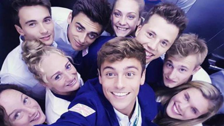 TOM DALEY: All dressed up in our opening ceremony gear, ready to watch from the village :) @teamgb. FOTO: Facebook