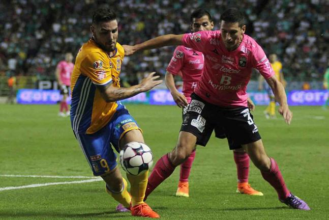León liquidó 3-2 a Tigres y le quitó su invicto. Foto: Getty Images