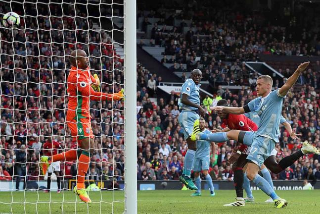 Manchester United empató 1-1 frente al Stoke City. Foto: Getty Images