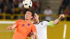 Austrian Christian Fuchs (R) in action against Dutch Steven Berghuis (L) during the international friendly soccer match between Austria and the Netherlands at the Ernst Happel Stadium in Vienna. EFE