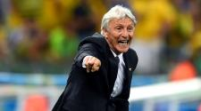 Head coach Jose Pekerman of Colombia gestures. (Photo by Jamie McDonald/Getty Images)
