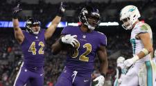 Tight End Benjamin Watson #82 of the Baltimore Ravens catches a touchdown in the second quarter against the Miami Dolphins at M&T Bank Stadium on October 26, 2017 in Baltimore, Maryland. (Getty Images)